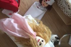 Puppenspiel-Therapie_Krankenschwester